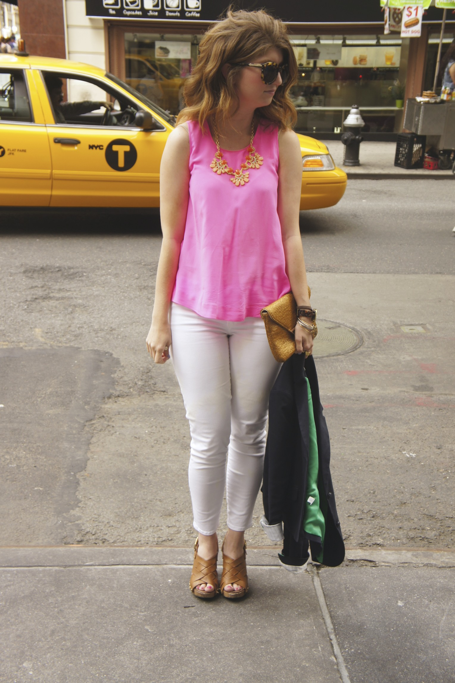 3ddd3ae9d8 pink top and white jeans