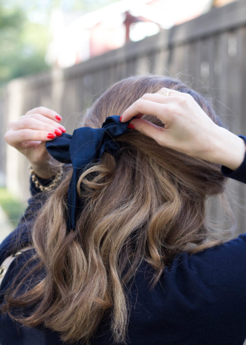 monochromatic outfit, all navy outfit, Vince turtleneck, Donni scarf